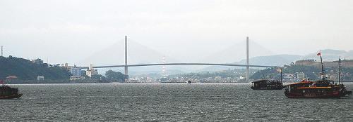 Город Халонг, Мост Бай Чэй Bai Chay